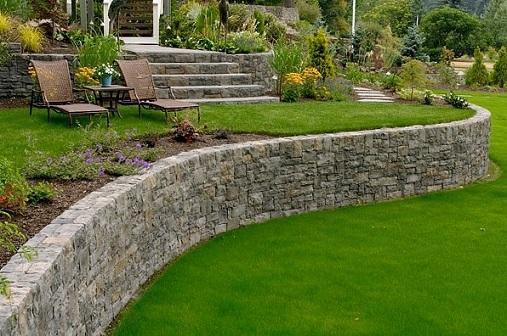 Retaining Walls and Hardscaping